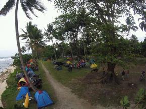 Sensasi Berkemah di Pantai Karapyak